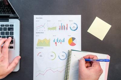 Menestyvän Yrittäjän Testi ja verkkokurssi