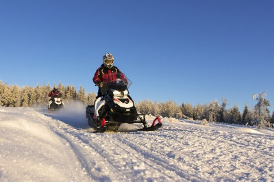 Snowmobile safari: Shooting Safari
